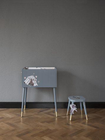 DIY – Så skapar du en magisk boklåda av en enkel hylla
