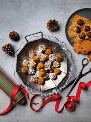 Julklappsrecept – Fint fat eller en vacker tallrik & julkryddiga chokladbollar.