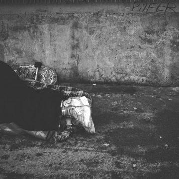 Hemlösa drabbas hårt av Covid-19